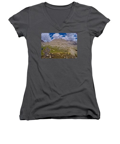 The Kings Canyon Women's V-Neck (Athletic Fit)