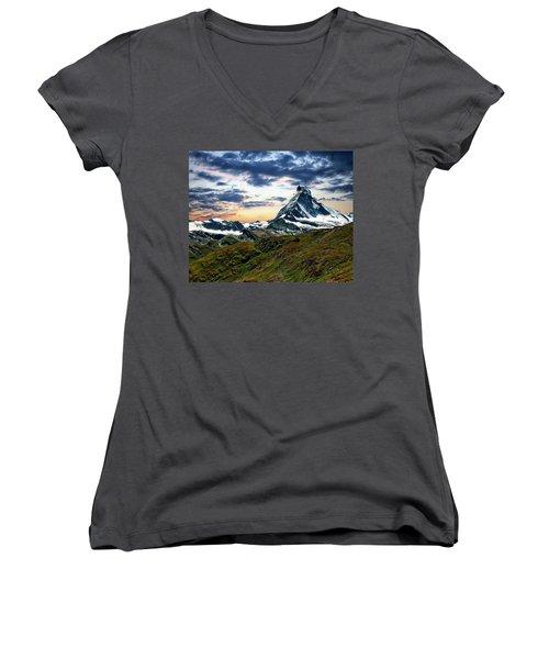 The Matterhorn Women's V-Neck