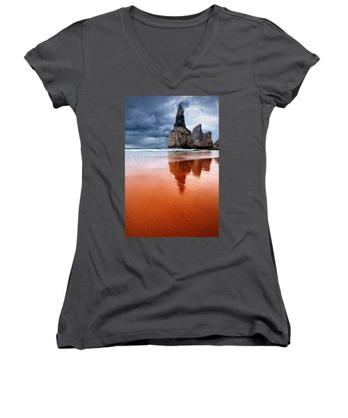 The Needle Women's V-Neck