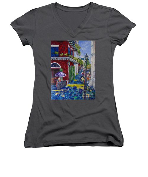 The Purple Umbrella        Pirates Alley Women's V-Neck (Athletic Fit)