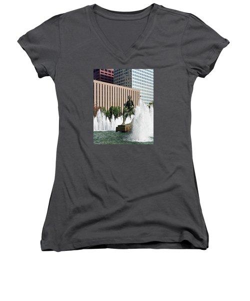 Women's V-Neck T-Shirt (Junior Cut) featuring the photograph The Runner Sculpture by Harold Rau