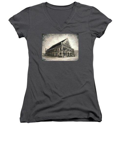 The Ryman Women's V-Neck T-Shirt