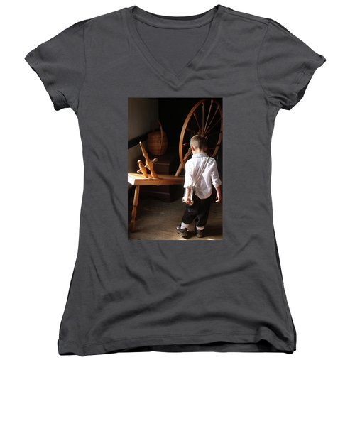 The Spinning Wheel Women's V-Neck T-Shirt