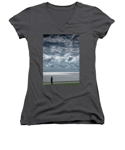 Women's V-Neck T-Shirt (Junior Cut) featuring the photograph The Threatening Storm by Steven Richman