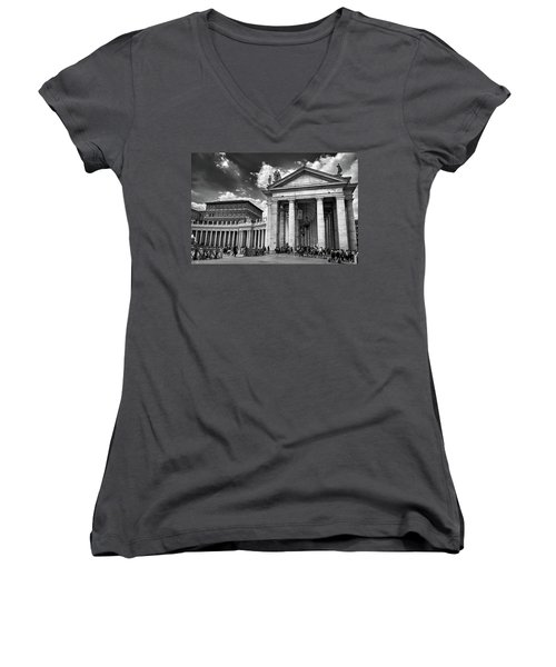 The Tuscan Colonnades In The Vatican Women's V-Neck