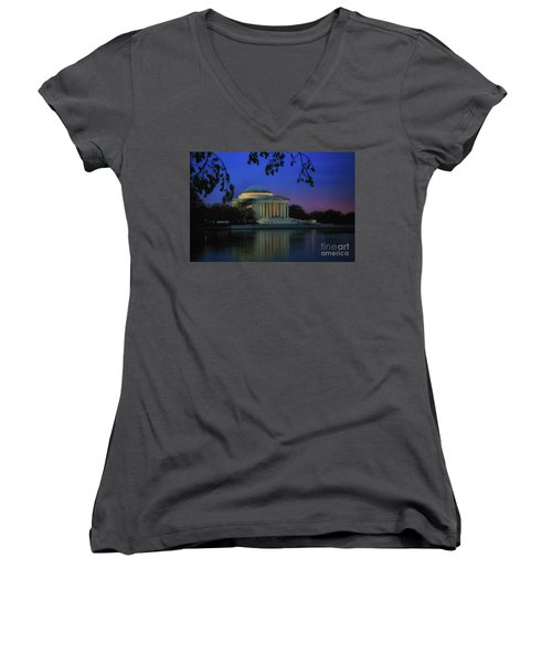 Thomas Jefferson Memorial Sunset Women's V-Neck T-Shirt