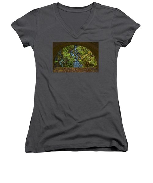 Through The Arch Signed Women's V-Neck