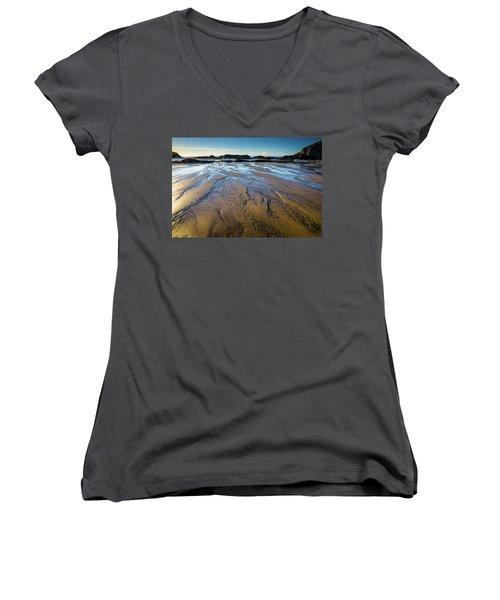 Tidal Patterns Women's V-Neck T-Shirt