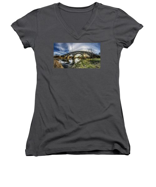 Tiffany Bridge Panorama Women's V-Neck T-Shirt