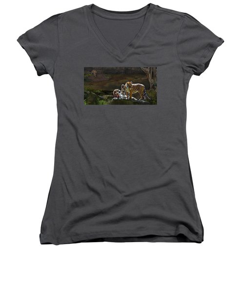 Tigers In The Night Women's V-Neck T-Shirt