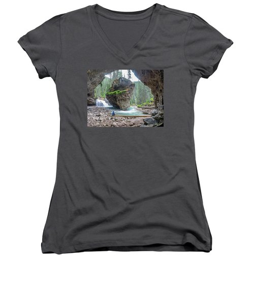 Tiny People Big World Women's V-Neck T-Shirt