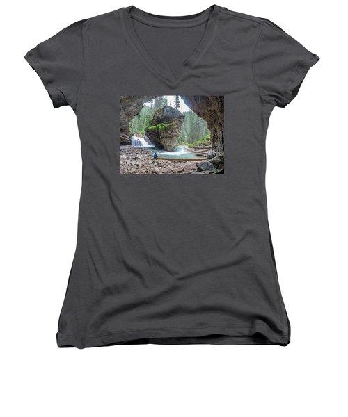 Tiny People Big World Women's V-Neck T-Shirt