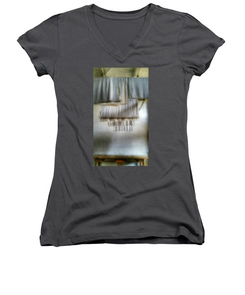 Towels And Sheets Women's V-Neck T-Shirt (Junior Cut) by Isabella F Abbie Shores FRSA