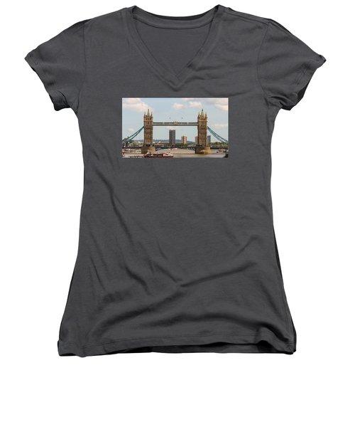 Tower Bridge C Women's V-Neck