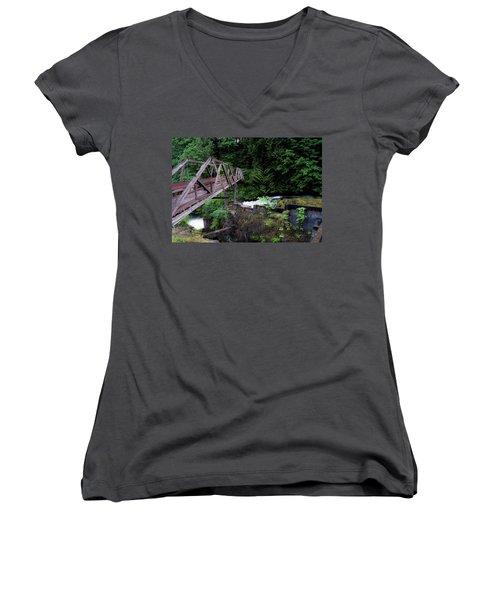 Trussting Women's V-Neck T-Shirt