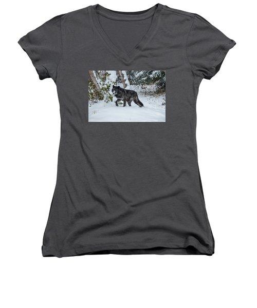 Tundra Wolf 6701 Women's V-Neck