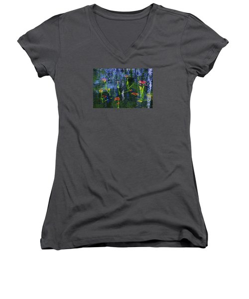 Underwater Lilies Women's V-Neck T-Shirt