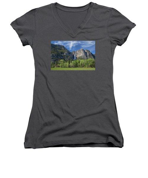 Upper Yosemite Falls In Spring Women's V-Neck T-Shirt