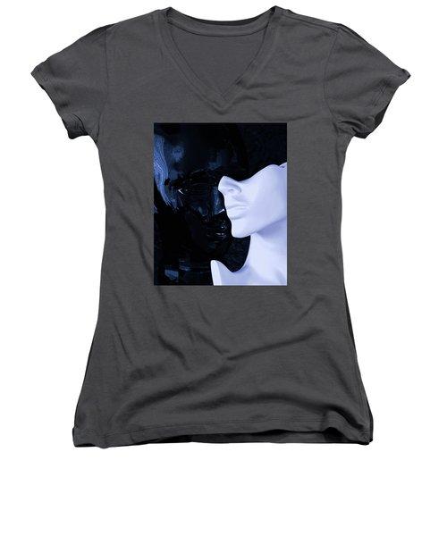 US Women's V-Neck T-Shirt