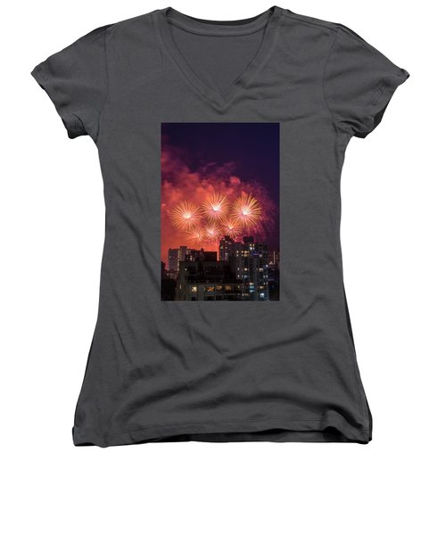 Usa 3 Women's V-Neck T-Shirt