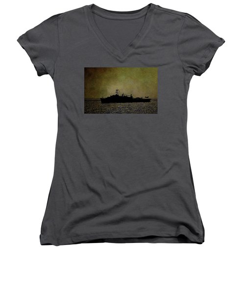Uss Ponce Lpd-15 Women's V-Neck