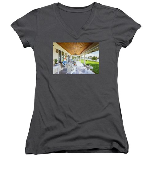 Veranda Women's V-Neck