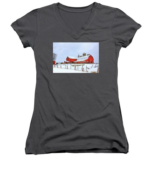Vermont Barn Women's V-Neck (Athletic Fit)