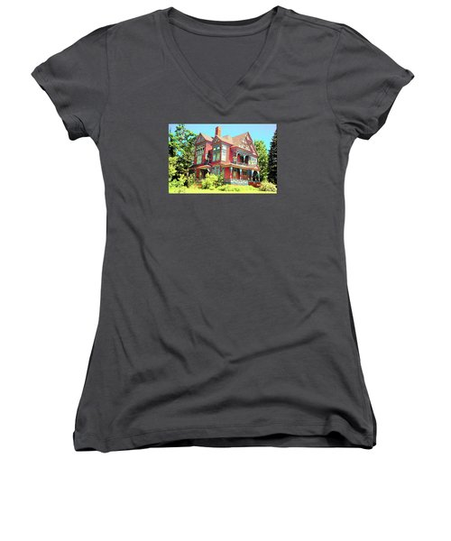 Victorian Women's V-Neck T-Shirt (Junior Cut)