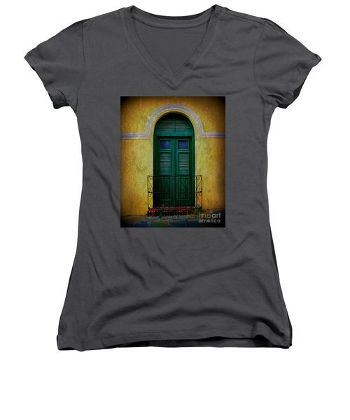 Vintage Arched Door Women's V-Neck T-Shirt