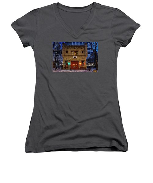 Vintage Chicago Firehouse With Xmas Lights And W Flag Women's V-Neck
