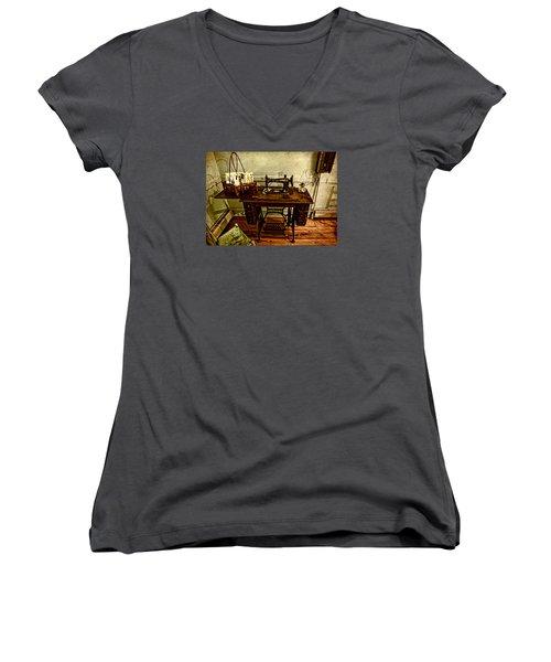 Vintage Singer Sewing Machine Women's V-Neck T-Shirt (Junior Cut) by Judy Vincent