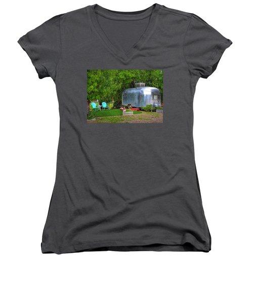 Vintage Trailer Women's V-Neck T-Shirt