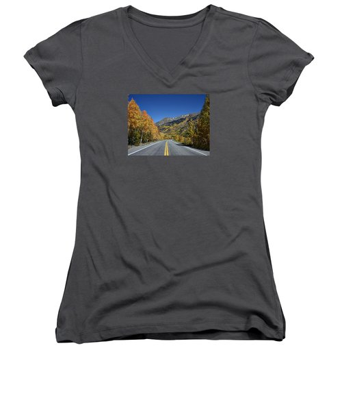 Vivid Fall Colors On The Million-dollar Highway In San Juan County In Colorado  Women's V-Neck T-Shirt (Junior Cut) by Carol M Highsmith
