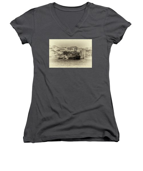 Wadi Al-sebua Antiqued Women's V-Neck T-Shirt (Junior Cut) by Nigel Fletcher-Jones
