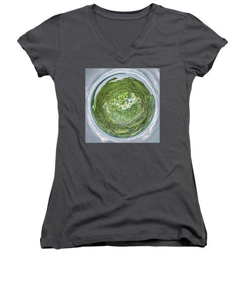 Women's V-Neck T-Shirt featuring the photograph Wagon Trail Campground by Randy Scherkenbach
