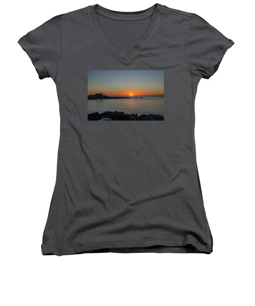 Walkers Point Kennebunkport Maine Women's V-Neck T-Shirt