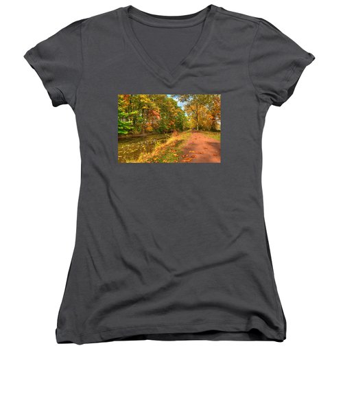 Washington Crossing Park Women's V-Neck
