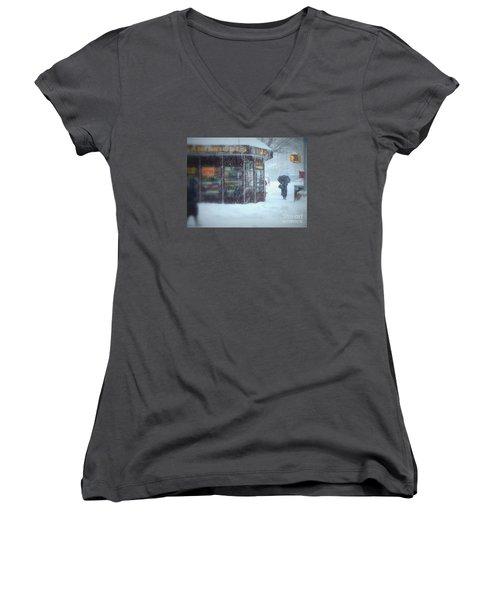 We Sell Flowers - Winter In New York Women's V-Neck T-Shirt