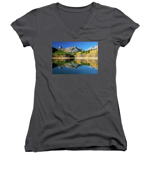Wedge Pond Color Women's V-Neck
