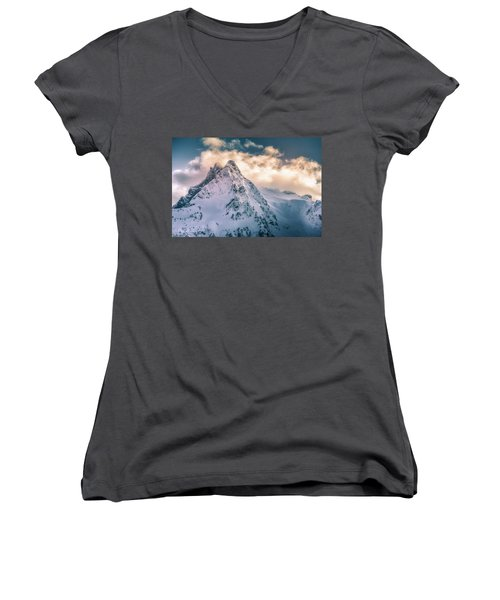 Whitehorse Clouds Women's V-Neck