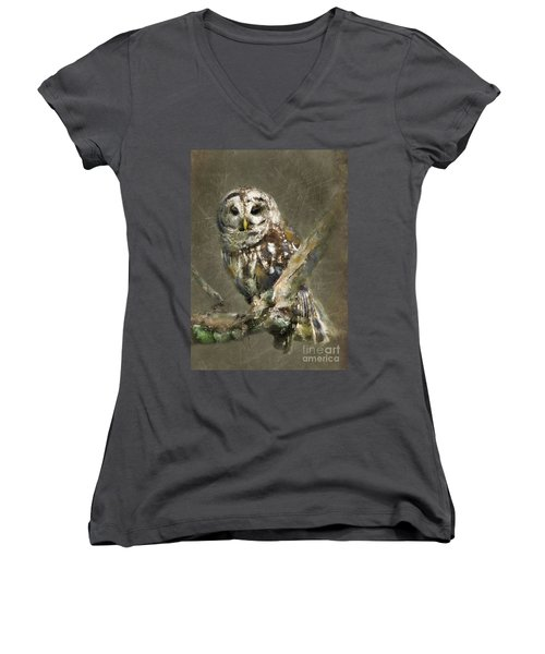 Whoooo Women's V-Neck (Athletic Fit)