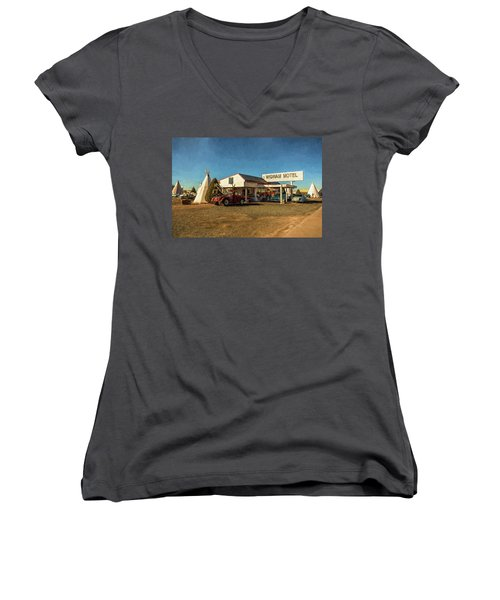 Wigwam Motel Women's V-Neck (Athletic Fit)