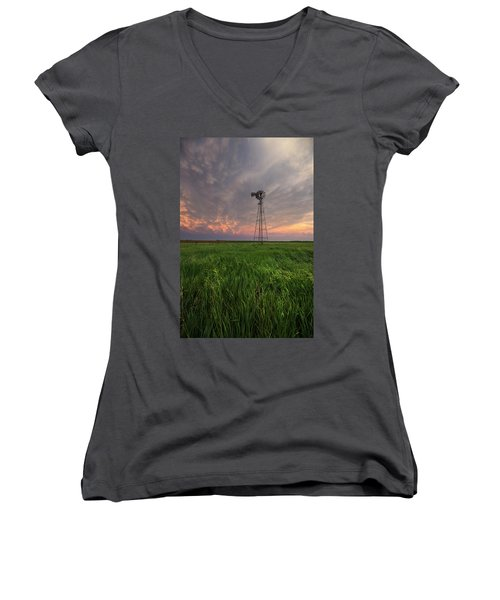 Women's V-Neck T-Shirt featuring the photograph Windmill Mammatus by Aaron J Groen