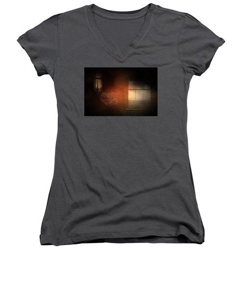 Window Art Women's V-Neck T-Shirt