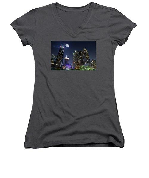 Windy City Women's V-Neck T-Shirt