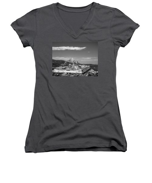 Beacon / The Chair Project Women's V-Neck