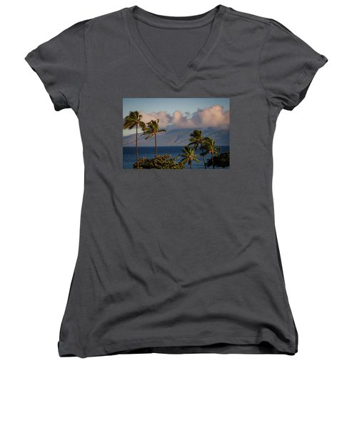 Maui Palms Women's V-Neck