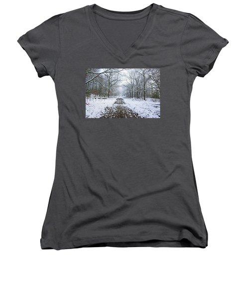 30/01/19  Rivington. Lower Barn. Arboretum Path. Women's V-Neck