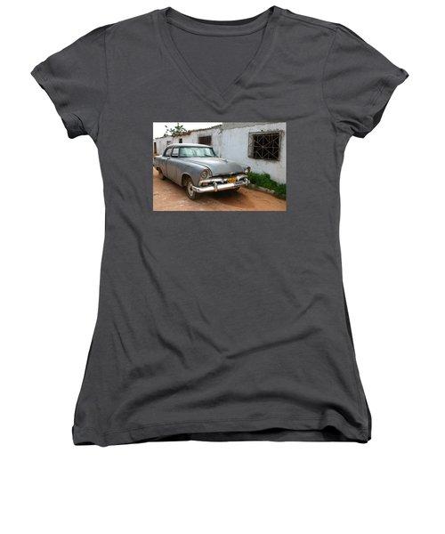 Antique Car Grey Cuba 11300501 Women's V-Neck