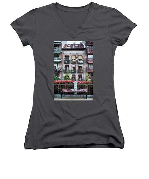Women's V-Neck featuring the photograph Apartments In Madrid by Eduardo Jose Accorinti
